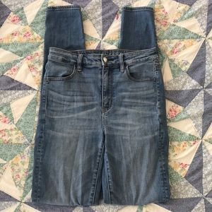 Size 4 extra long American Eagle skinny jeans